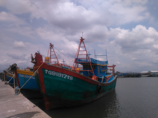 Pelabuhan Kejawanan Menjadi Ladang Penghasilan Warga Cirebon