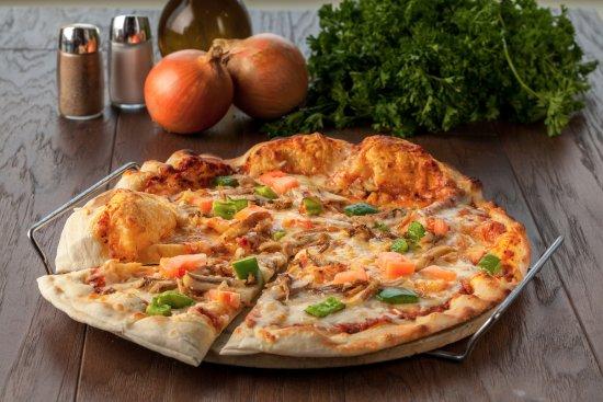 Nikmati Topping Keju di Atas Mini Pizza Manakeesh