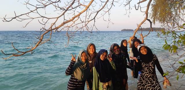 Sudah Kenyang Lanjut Foto-foto di Pulau Dolphin/Dokumentasi Pribadi