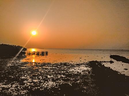 Jangan Lewatkan Sunrise Ketika 2 Day 1 Night di Pulau Harapan/Prajna Vita