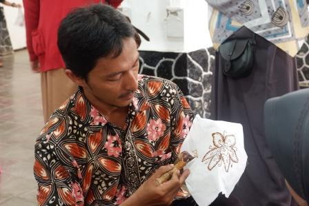 Teknik Batik Tulis/Foto: Prajna Vita